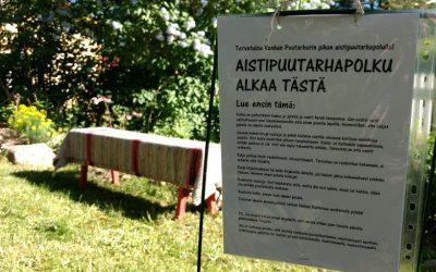 Aistipuutarhapolku kiinnosti Loviisan Avoimet puutarhat -tapahtumassa