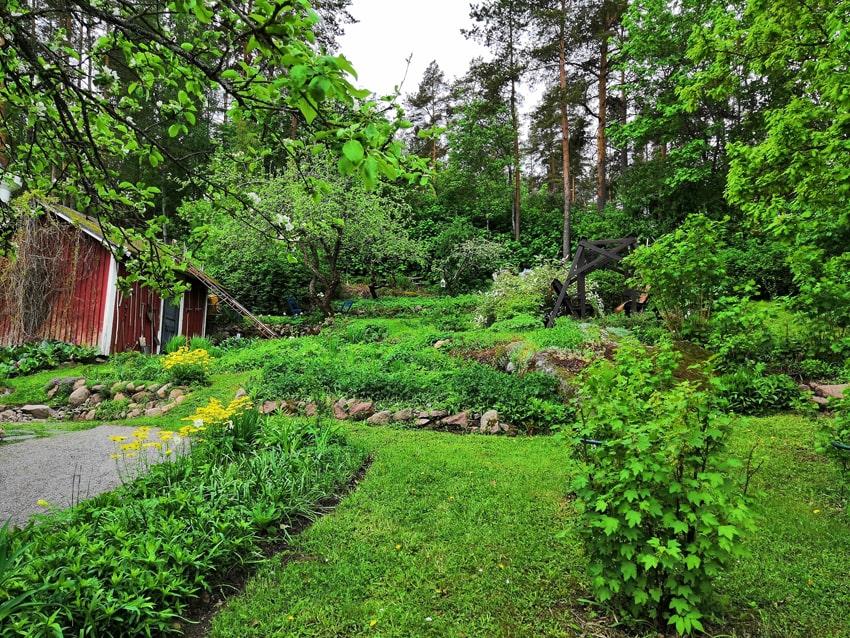 Loviisan_Avoimet-puutarhat-Vanha-puutarhurin-piha